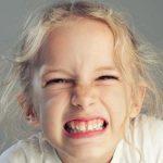 درمان دندان قروچه با روش های گیاهی و خانگی