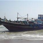 توقف شناور حامل روغن و نوشیدنی قاچاق در بندر چوئبده آبادان
