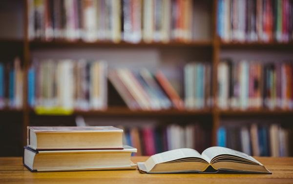 معرفی چند رمان با موضوعی گیرا و دلنشین درباره هستی