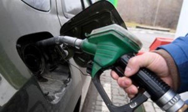 کاهش ۱۲ درصدی مصرف بنزین در کشور با اجرای محدودیتهای کرونا