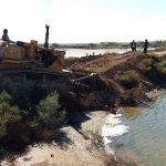 تخریب سازهای غیرمجاز در بستر رودخانههای زهره و جراحی