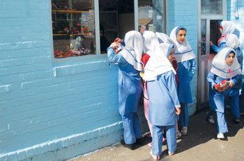 بازگشایی مدارس به معنای واقعی کلمه وجود ندارد