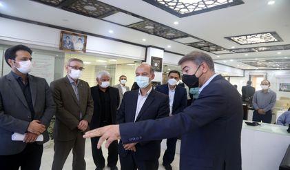 وزیر نیرو در اولین سفر کاری خود از رصد خانه آب و انرژی سازمان آب و برق خوزستان بازدید کرد