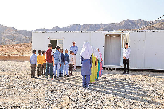 کلاسهای کانکسی به  ۶ روستای زلزله زده اندیکا ارسال شد