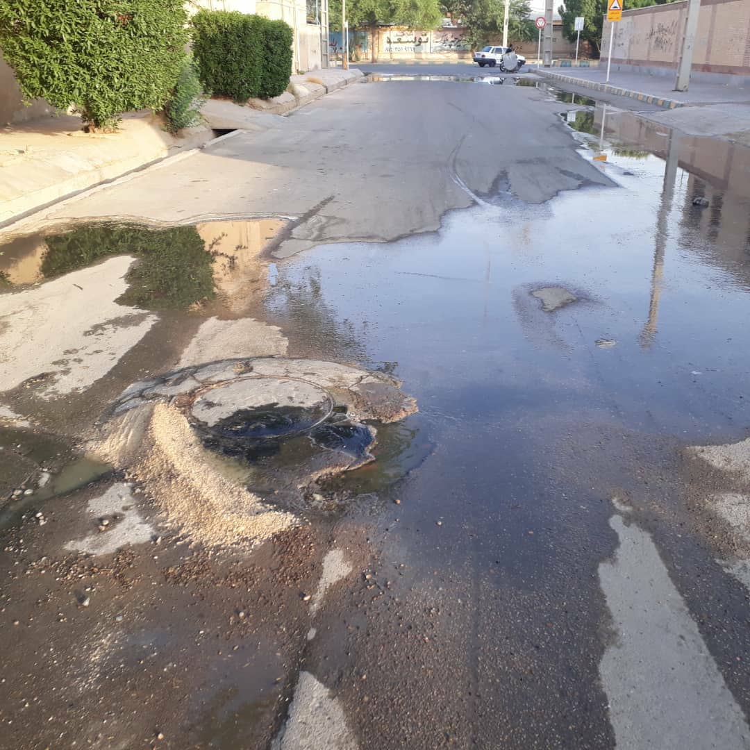 مسئله آب و فاضلاب خوزستان لاینحل نمیماند