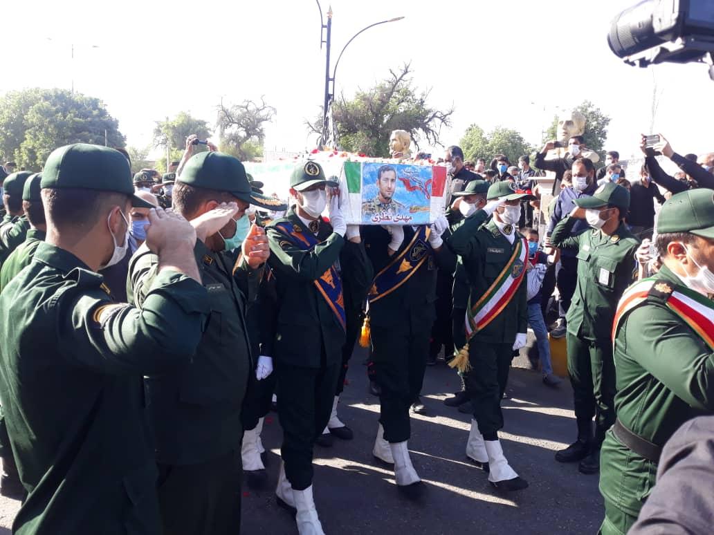 آیین تشییع شهید مدافع حرم مهدی نظری در اندیمشک برگزار شد