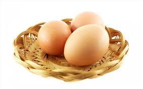 تخم مرغ سفید و قهوهای از نظر ارزش غذایی چه فرقی با هم دارند؟