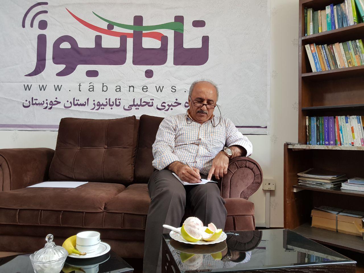 عمده مدیران خوزستان، بدون تخصص خود را صاحب نظر می دانند
